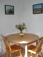 Stick Cottage dining area